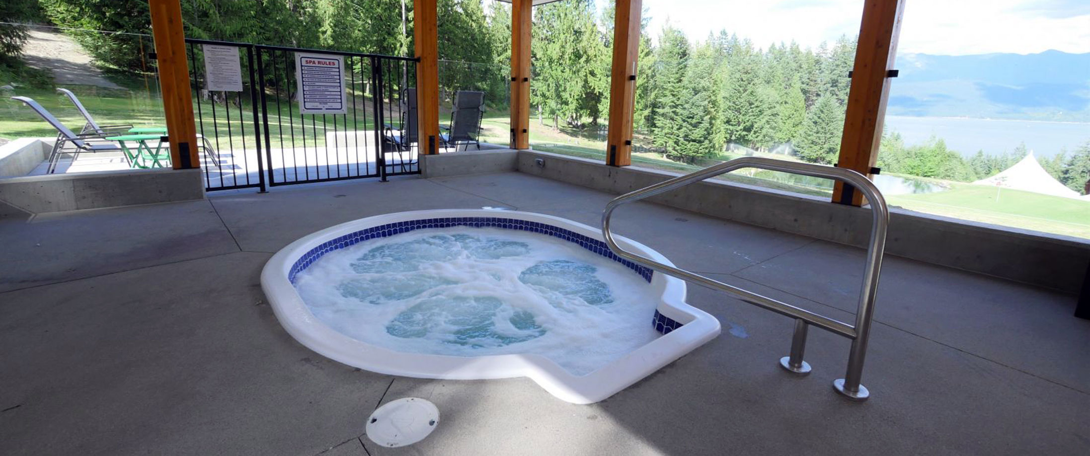 Paradise Pool and Spa Commercial Hot Tub at Kootenay Lakview Lodge